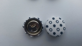 Stofknoop wit met zwarte stippen  19mm