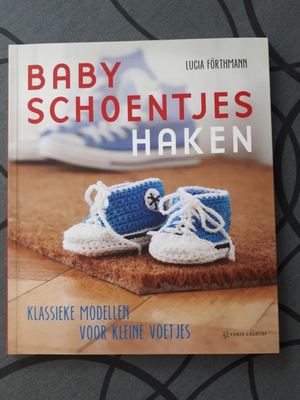 Babyschoentjes haken