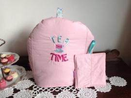 Theemuts overhemd geborduurd in roze