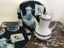Klassieke buik theepot met blauwe en zilveren accenten