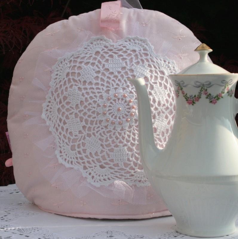 Romantische theemuts vintage gehaakt kleedje