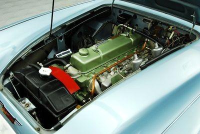 mo-motor4en6cil.jpg