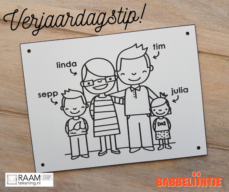 Een huisnummerbordje voor Linda, Tim, Sepp en Julia