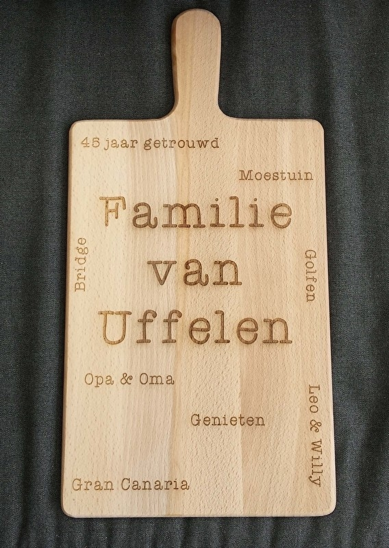 Kaasplankje gegraveerd met tekst (familie)