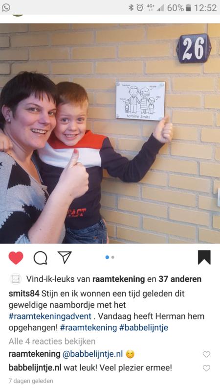 Huisnummerbordje voor de familie Smits