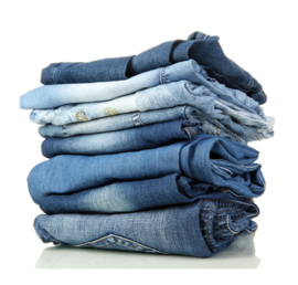 Removing stains of jeans from textile and microfibre