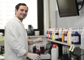 The colour laboratory