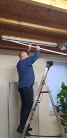 Nieuwe LED verlichting op kantoor en in het magazijn