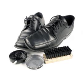 vlek van schoensmeer verwijderen uit leder