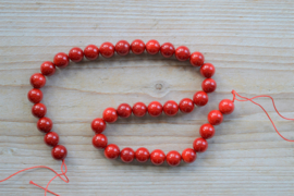 Bamboekoraal ronde kralen 10 mm (bijgekleurd)