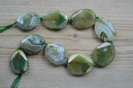 Agaat slabs gefacetteerd 'groen' ca. 32 x 40 mm (bijgekleurd)