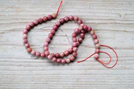 Rhodonit facettierte runde Perlen 6 mm