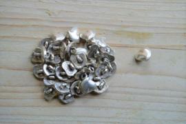 Metalen knoop 'hart klein' ca. 13 mm per 2 stuks