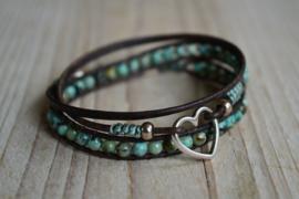 3-Wraparmband met 4 mm Afrikaans Turquoise en tussenstuk hart