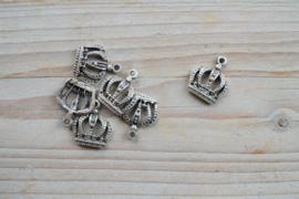 Metalen hanger kroon klein ca. 19 x 22 mm per stuk