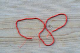 Bamboekoraal ronde kralen ca. 2 mm (seedbeads)(bijgekleurd)