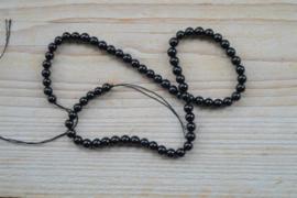 Zwarte toermalijn ronde kralen ca. 6 mm