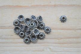 Kraalkap sterling zilver ca. 7,5 x 7,5 x 3,2 mm (per 2)