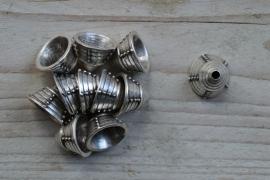Metalen kraalkap ca. 13 x 18 mm per stuk