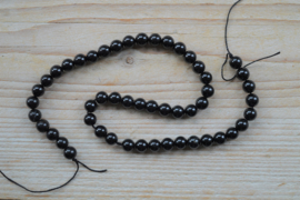 Zwarte toermalijn ronde kralen ca. 8 mm