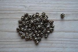Bronskleurige tussenkraal ca. 6 mm per 10 stuks