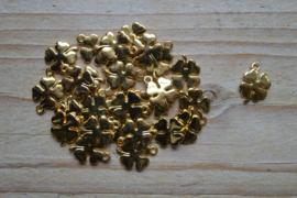 Goudkleurige bedel klaver 4 ca. 11 x 14 mm per 3 stuks