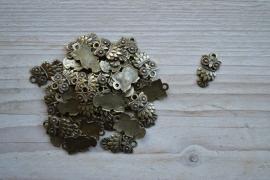 Bronskleurige bedel uil ca. 11 x 20 mm per 3 stuks