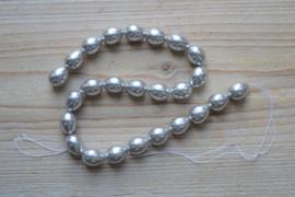 Schelp ronde druppels zilver ca. 12 x 15 mm