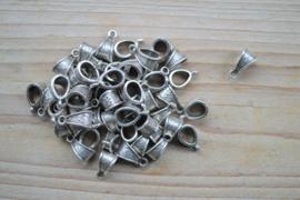 Metalen bedelhanger ca. 9 x 14 mm per stuk