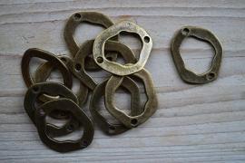 Bronskleurig tussenstuk ca. 28 x 34 mm per stuk