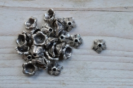 Metalen kraalkap ca. 13 mm per 6 stuks