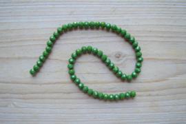 Kristalstreng groen gefacetteerde rondellen ca. 4 x 6 mm