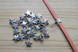 Metalen leerschuif ster  ca. 8 x 9 mm per stuk