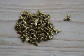 Bronskleurige bedel walvisstaart ca. 7 x 11 mm per 10 stuks