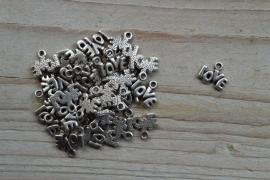 Metalen bedel 'tekst love' ca. 10 x 12 mm per 5 stuks