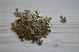 Bronzen kroontje ca. 12 x 15 mm per 3 stuks