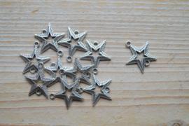 Metalen tussenstuk ster ca. 20 x 22 mm per stuk