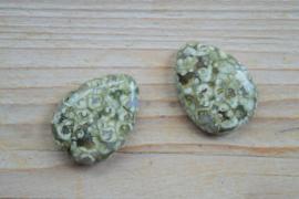 Rhyoliet platte druppels ca. 22 x 30 mm per 2