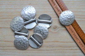 Metalen leerschuiver 20 mm rond ca. 26 mm per stuk