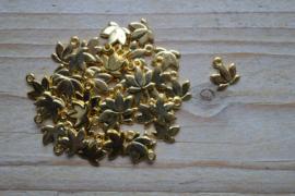 Goudkleurige bedel lotusbloem ca. 10 x 11 mm per 3 stuks