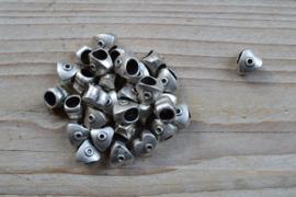 Metalen tussenkraal ca. 9 x 10 mm per  stuk