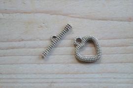 Metalen kapittelsluiting hart ca. 17 x 21 mm per 2 stuks