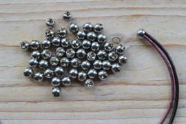 RVS Eindbolletje (binnenmaat 3 mm) ca. 6 mm per 2