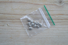 Kashierperlen silberfarbe ca. 4 mm 20 stück
