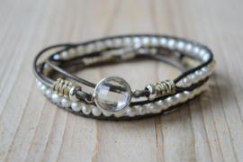 3-Wraparmband met ca. 4 mm zoetwaterparels en sterling zilveren tussenstuk Bergkristal