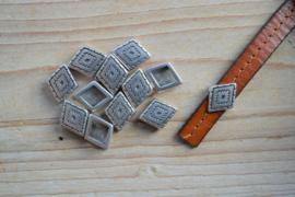 Metalen leerschuif ruit 10 mm ca. 12 x 16 mm per stuk