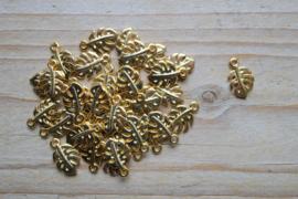 Goudkleurige bedel monsterablad ca. 9 x 15 mm per 3 stuks