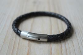 Armband van 6mm Zwart gevlochten rundleer met RVS klemsluiting