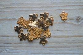 Goudkleurig tussenstuk vlinder ca. 11 x 14 mm per stuk