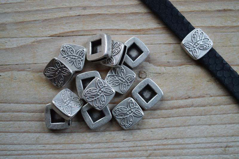 Metalen leerschuiver 10 mm ca. 15 x 15 mm per stuk